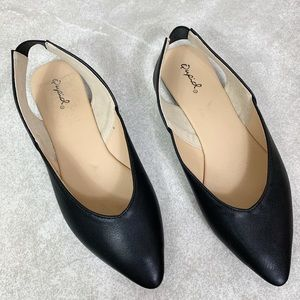 Qupid Black Slingback Pointed Toe Flats Size 7